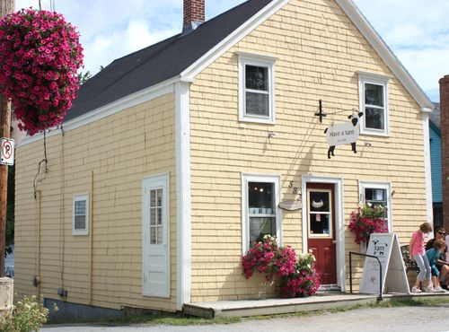 Have a Yarn Shop in Mahone Bay