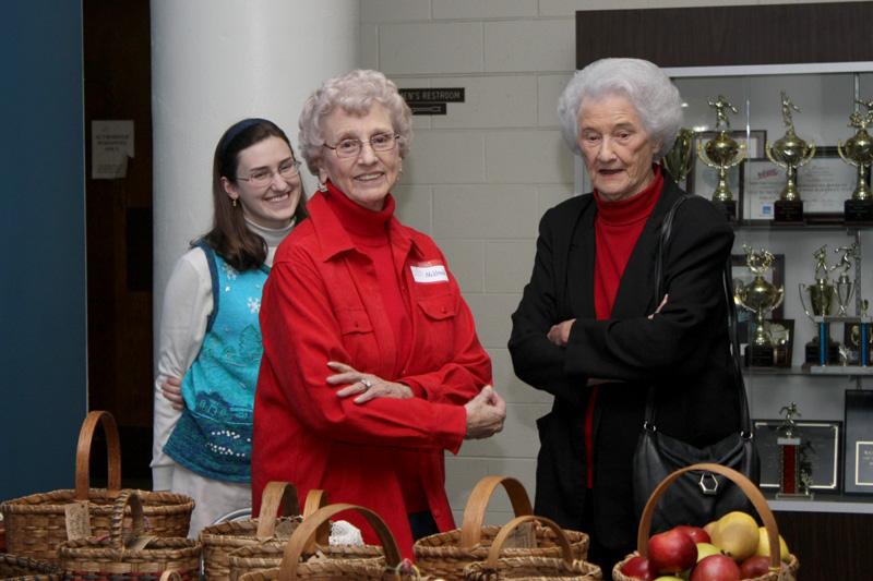 Sarah, Granny, & Rosa at the Holiday Living Show