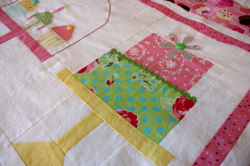 My favorite cake on the quilt