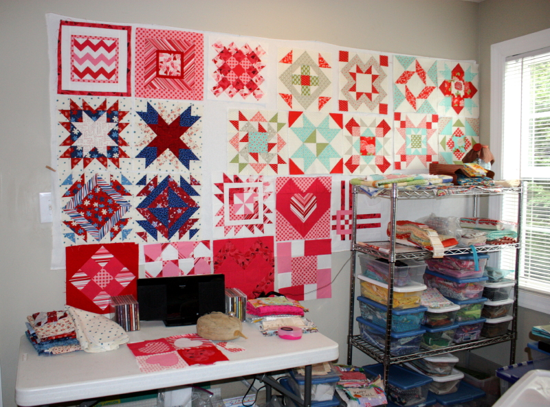 I love this!! I want a design wall! I want a sewing room, too!