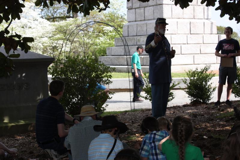 Bill Potter speaks at Oakland Cemetery