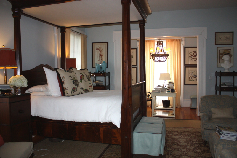 P.Allen Smith's bedroom