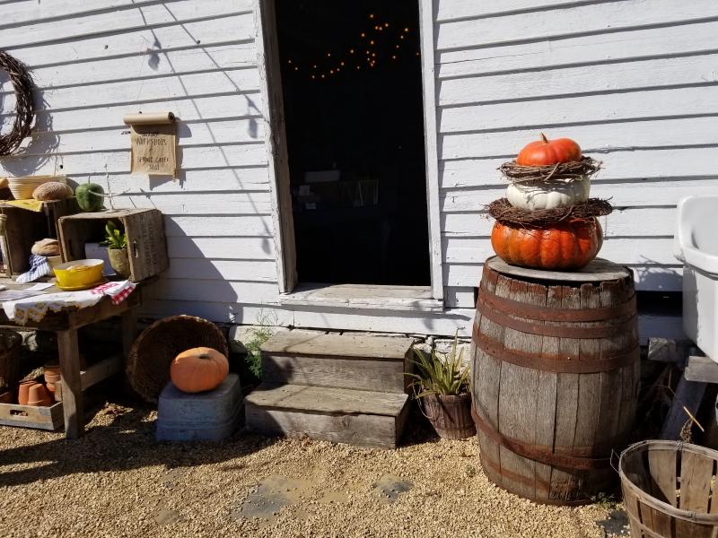 Fall barn display