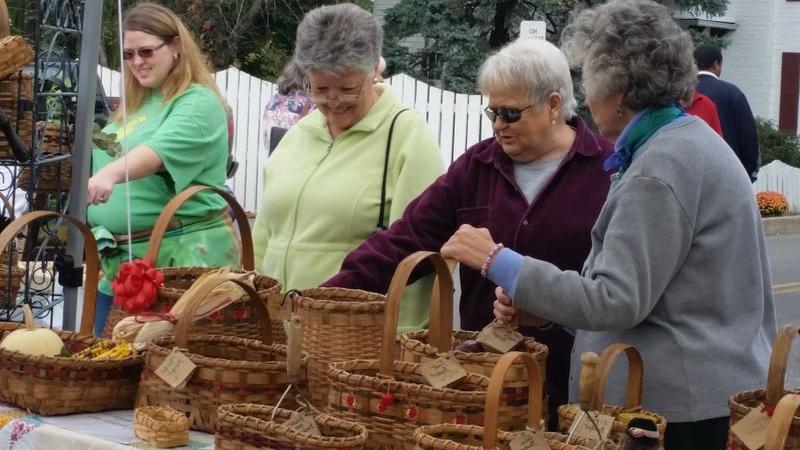 Deb selling baskets