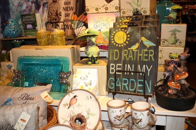 gardening display ~ love it all!