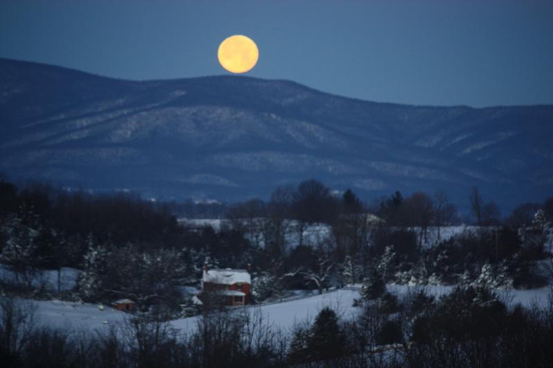 Zoomed full moon